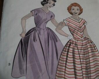Butterick vintage 50s full skirt dress pattern 14 32 bust