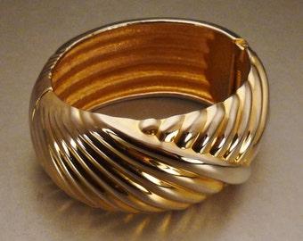 Cast goldtone CUFF BRACELET Textured raiseddiagonal  lines app 3 x 1 WEDDING Jewelry