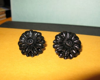 SALE ** Black Flower Blossom Earrings- Chrysanthemum Mums