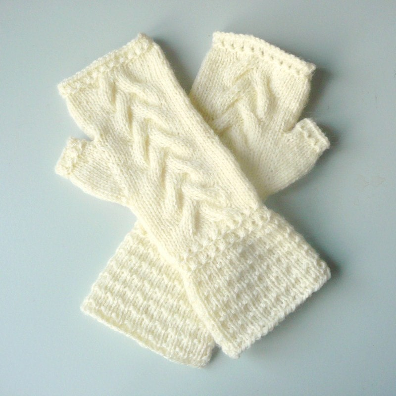 Knitting Pattern Fingerless Gloves Armwarmers Wavy Cable