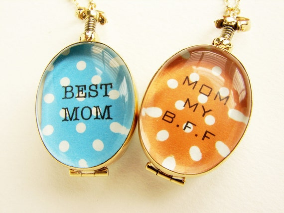 Personalized jewelry Mothers day gift custom message photo locket, new Mom gift heirloom glass locket for Grandma