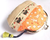 Cute Zakka frame clutch kiss lock purse -  1930s repro print in orange