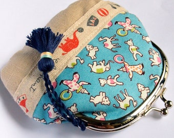 Cute Zakka frame clutch kiss lock purse -  1930s repro print in blue circus