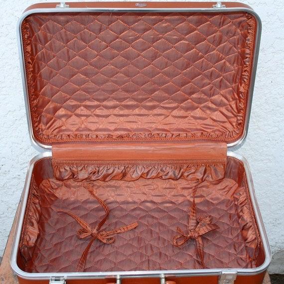 "Hardshell Medium Suitcase, Gorgeous Interior, Brand ""Towne, USA"" - Caramel Brown Pecan, Gorgeous Interior"