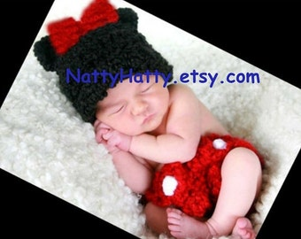 Minnie or mickey Mouse set   Hat and diaper cover Newborn -12 month