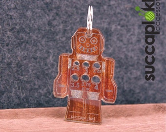 Ropotti keyring - Needle gauge (mm/EUR), Robot shaped keycharm with mm scale knitting needle gauge, made out of recycled plastic