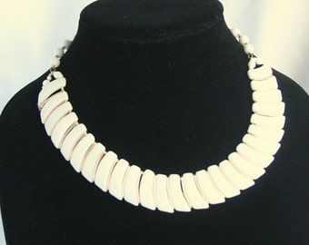 White Milk Glass Choker Necklace Layered Serpentine Vintage Adjustable Western Germany