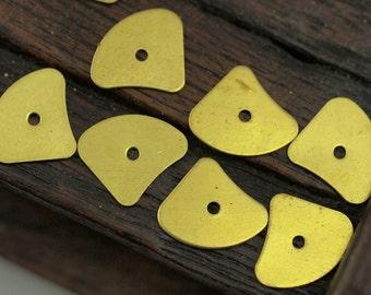 Brass Bead Cap, 50 Raw Brass Bead Caps, Disc, Findings  (13x11mm) Brs 562  A0485