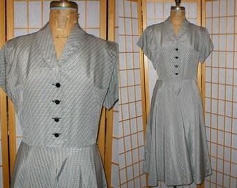 VTG 40s  50s polka dot taffeta swing dress  size xlarge