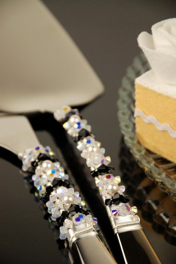 black wedding cake serving set black and white wedding cake serving set swarovski 11883