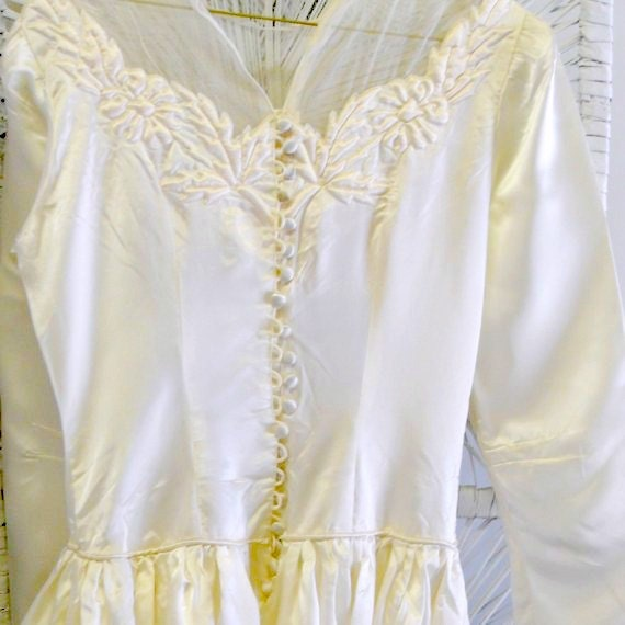 1940s Vintage Wedding Dress Ivory Satin with Train 1948 Winter Wedding Gown
