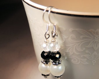 White Pearl Earrings, Dangle Earrings, Pearl and Crystal, Black and White, Handcrafted Jewelry, Black Tie Jewelry, Wedding Jewelry