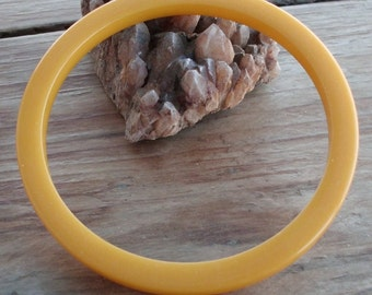 Vintage Creamed Corn Butter Yellow Bakelite Bracelet Bangle Tested Mid Century