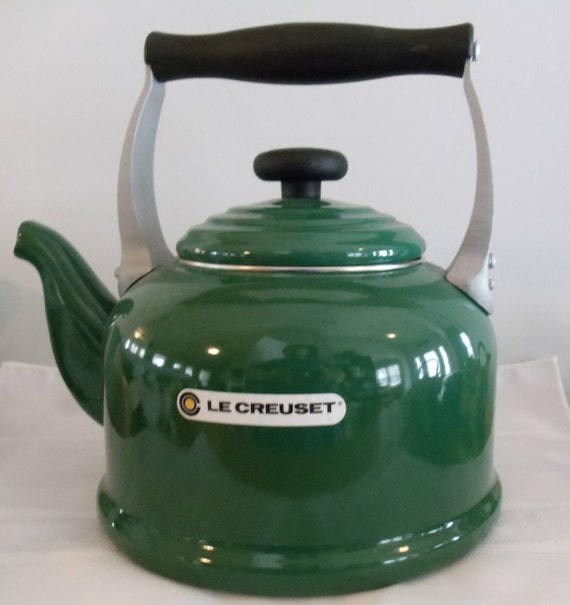 how to clean a le creuset kettle