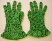 Vintage 1940s Crocheted Gloves Kelly Green SZM
