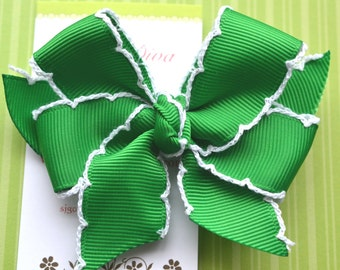 Kelly Green with White Crochet Edge Classic Diva Bow
