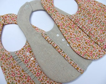 "COMMERCIAL USE PDF Pattern for the ""Ruffled Bib"", Baby Bib"