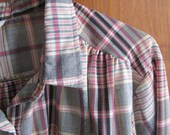Miss Fashionality - Vintage 1970s plaid blouse with long or three quarter sleeves, half button up front, size M to L