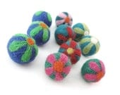 Felt Balls Emerald Flower - 10 Pure Wool Beads 20mm - Green Blue Shade - Flat rate shipping - EcoCraftSupply