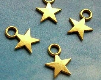 40 tiny solid star charms, gold tone, 12mm