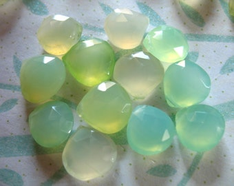 Shop Sale.. CHALCEDONY Heart Briolettes Beads, Luxe AAA, 5 pcs, 8.5-10 mm, Shaded Light Yellow Green, wholesale beads brides bridal 810