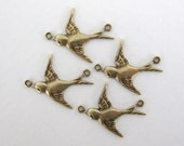 Bird Charm Sparrow Connector Antiqued Brass Ox Swallow Link Flying Left 20mm cnn0050 (4)
