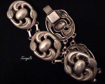 "Vintage 1940s CORO ""Tiana"" Floral Bracelet"