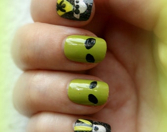 Alien Nails- Take Me To Your Leader- UFO False Nails, Rosewell Manicure, Alien Fake Nails, Press On Nails for Quirky Girls