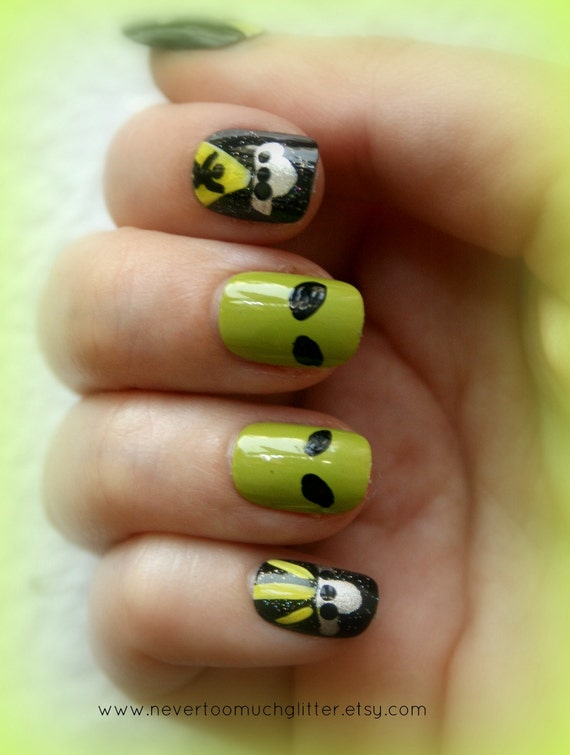 Japanese Nail Art- Take Me To Your Leader- False Nails
