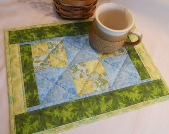 Quilted Snack Mat / Table Topper