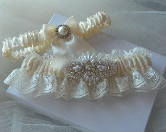 Wedding Garter,Garter Set,bridal Garter, Bride Garter, Ivory Beaded Chantilly Lace With Rhinestone And Pearl