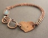 Personalized bracelet in copper with heart and aquamarine stone - Initial bracelet  - Aquamarine bracelet - Valentine bracelet