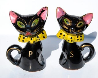 Vintage black cat 1950s salt and pepper shakers yellow bow ties slanted green eyes anime cats