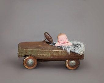 Newborn Baby Photography Prop Digital Backdrop for Photographers -Rusty Ol' Dodge