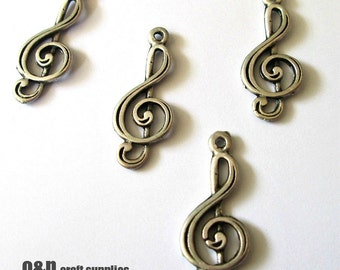 Vintage style musical charm / connector, antique silver treble clef charm / connector, 4 pieces