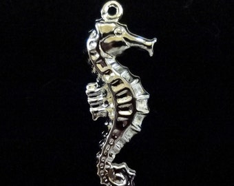 8pcs - Seahorse pendants - bright silver plated - 2 sided - 25mm