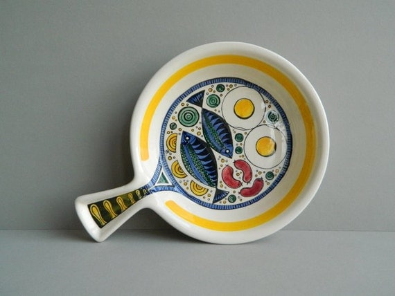 SALE:  Swedish ceramic dish from Anita Nylund Janssons Frestelse Jie Gantofta