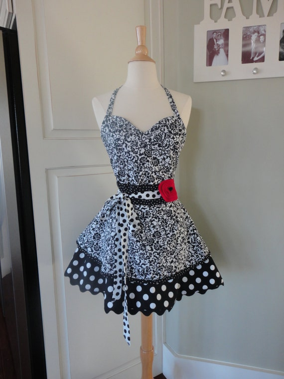 "Do You Believe in Magic  ""Sadie Mae Style""  Women's Black Swirl Apron ~ 4RetroSisters"