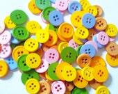 100 pcs Mix round Button 4 holes - mix color