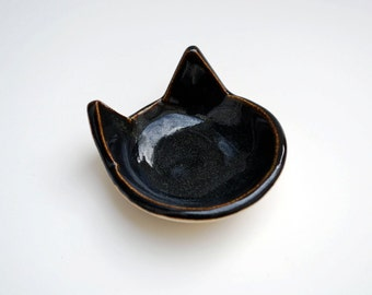 Black Cat Ring Dish  - Ceramic, Pottery - Tea Bag Rest, Jewelry Dish, Ring Holder, Cat Dish - Gifts for Pet Lovers