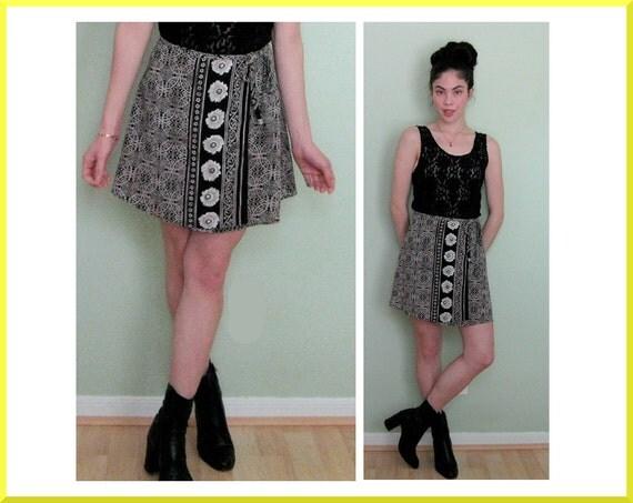Vintage Creme and Black 90's Floral Mini Wrap Skirt Sz. S/M
