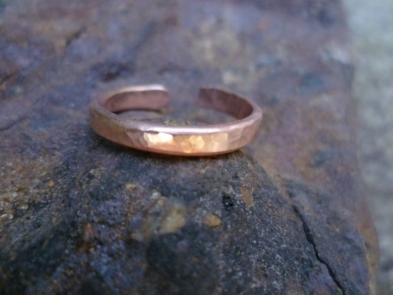 Plain copper toe ring textured finish minimalist