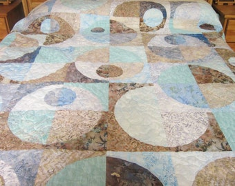 King or Queen Bed Quilt in Circles Design and Shades of Mint Green, Pale Blue, Tan and Gray