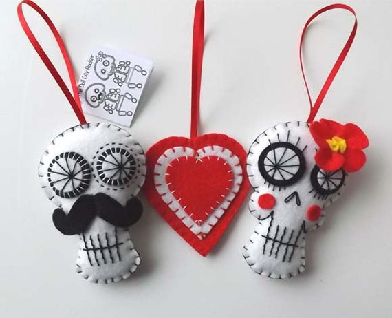 Items similar to Sugar Skulls Day of the Dead Decoration ...