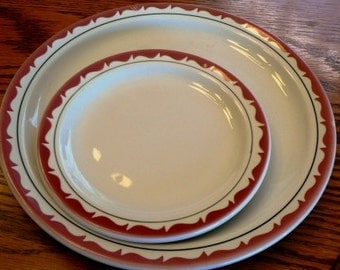 Vintage diner kitsch ... Retro HOTELWARE 2 PLATES large small Duraline GRINDLEY...