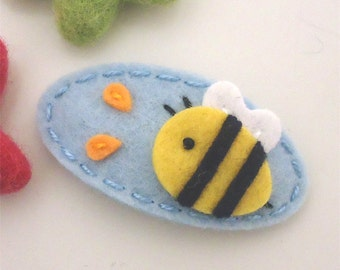 Felt hair clip -No slip -Wool felt -Bumble bee -pale blue