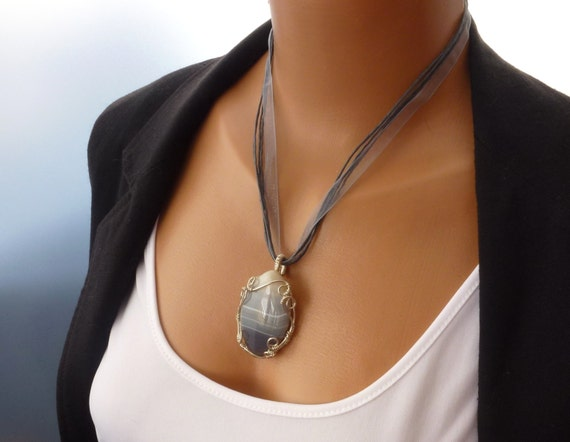Grey Agate Wire Wrapped Cabochon Pendant Necklace