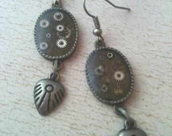 Antiqued Silver Gears in Resin Steampunk Earrings