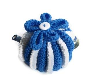 tea pot  cozy cosie blue and white medium pot  wool uk seller