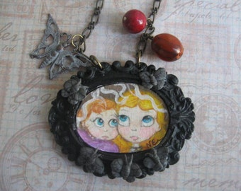 Victoria and Lilly.handpainted vintage bead pendant necklace